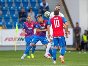 Plzeňský Kalvach si ze zápasu s Olomoucí odnesl zlomený nos.