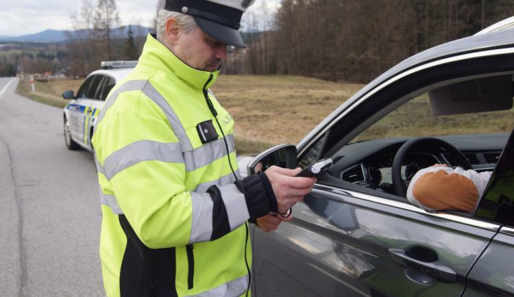 Policie v Plzeňském kraji hledá řadové příslušníky i experty