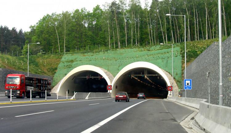 Víkendová uzavírka tunelu Valík na D5 prověří ukončenou opravu