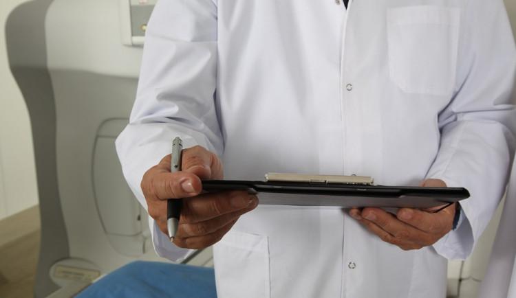 Plzeňský kraj letos poprvé podpoří lékaře v šesti menších obcích