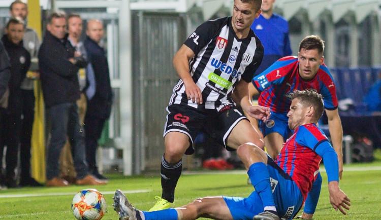 FOTO: Plzeň nedovolila překvapení, Dynamo na Západočechy nestačilo a kleslo tabulkou